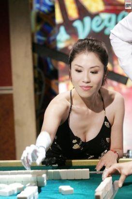 2007年5月24日,台北,台湾演艺圈公开甄选麻将高手参见世界麻将大赛。图为许倩芸。